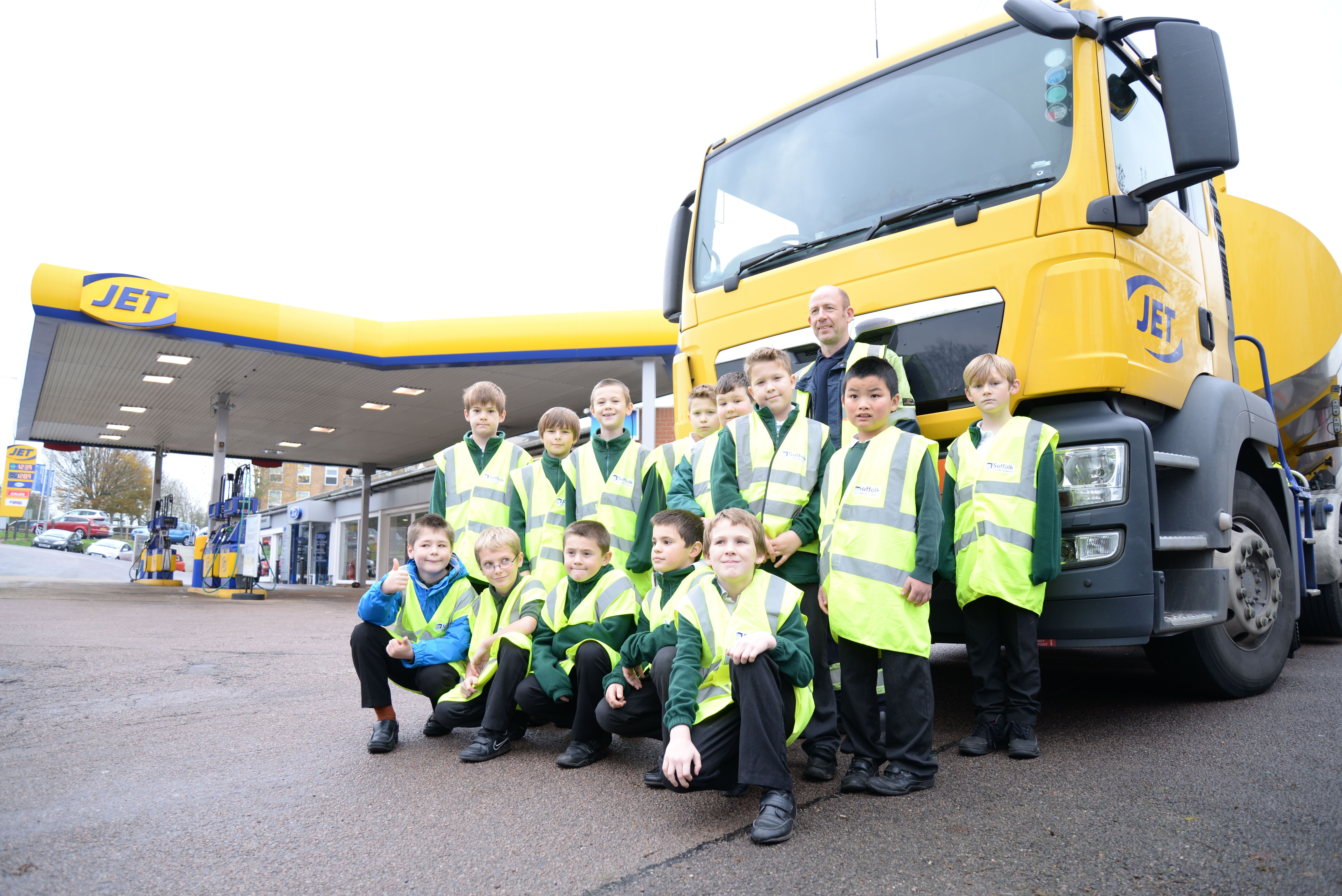 Halesworth pupils take part in national Road Safety initiative thanks to JET